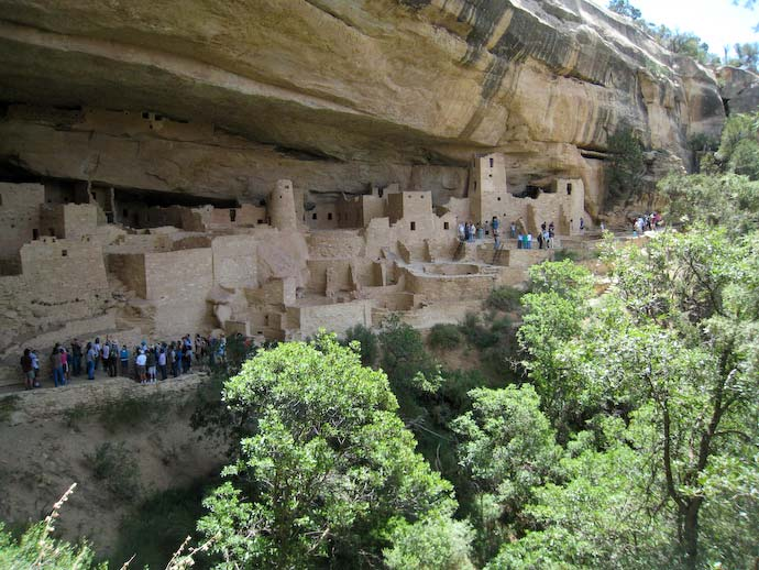 Cliff Palace with tour groups